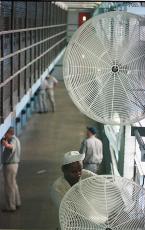 Heat in Texas prisons, no AC in prison in the summer